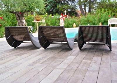 Aménagement d'une terrasse autour d'une piscine