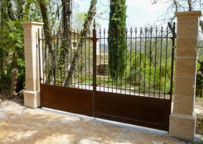 Fabrication et installation de piliers pour portails