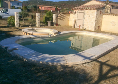 Aménagement extérieurs d'une piscine (margelles)